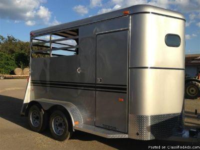 2014 Bee Durango 7'6 2 horse trailer