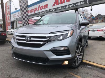 2017 Honda Pilot Elite AWD (Lunar Silver Metallic)