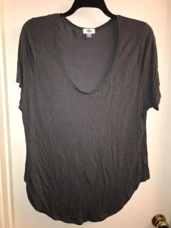 Gray Old Navy Top. Size XXL