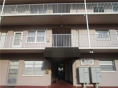 2 Bed 2 Bath Foreclosure Property in Saint Petersburg, FL 33710 - 1st Ave N Apt 206