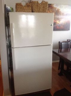 Refrigerator GE