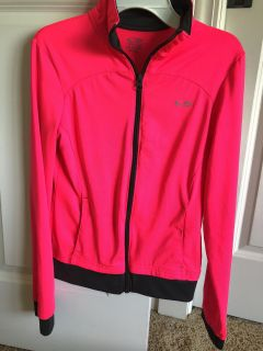 Girls 10/12 Champion zip up jacket with pockets and thumb holes.