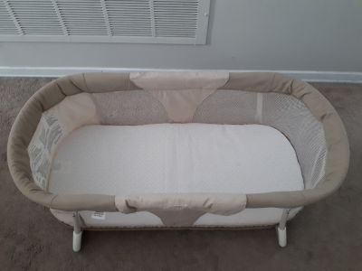 Summer Infant By Your Side folding bassinet / sleep