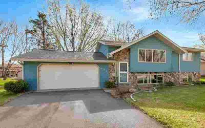 808 3rd Avenue N SARTELL Four BR, You'll enjoy this lovely