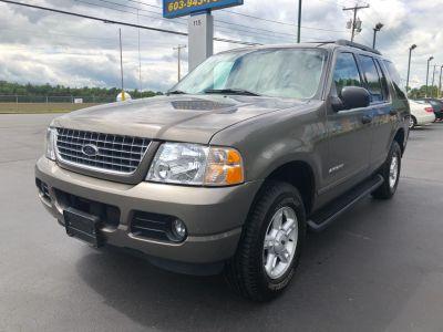 2005 Ford Explorer XLT (Pueblo Gold Metallic)