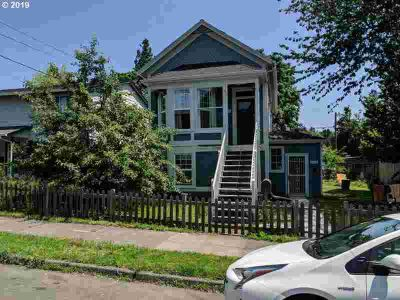 4020 N Albina Ave Portland, Vintage Victorian Duplex in one