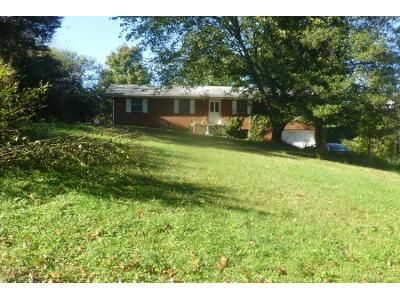 3 Bed 1.5 Bath Preforeclosure Property in Powell, TN 37849 - Paradise Dr