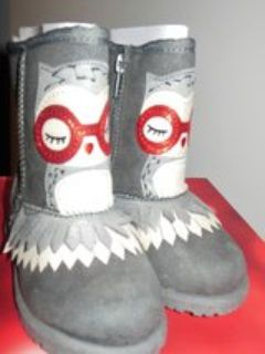 brand new in the box owl boots girls