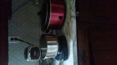 Oyster Stand mixer and red Slow Cooker