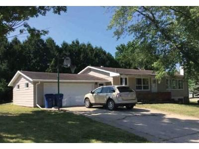 3 Bed 1 Bath Foreclosure Property in Clintonville, WI 54929 - Grove St