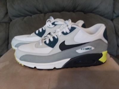 Nike Air Max very good used condition size 11 but run a little small