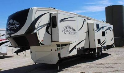 By Owner! 2015 40 ft. Heartland Big Country BC3650RL w/tow vehicle