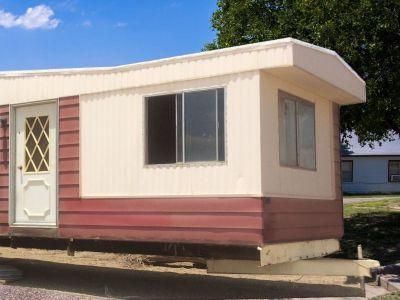 Mobile home trailer