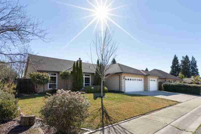 1731 Herbert Court Yuba City Three BR, Look No Further !!!