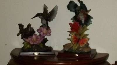 humming bird's figurines