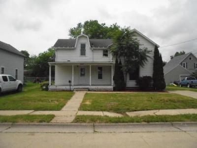 3 Bed 2 Bath Foreclosure Property in Maquoketa, IA 52060 - S Otto St