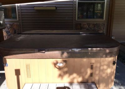 Hot tub cover. Excellent/Like new condition. Paid $450, asking $275. Fits a 90 x90 spa