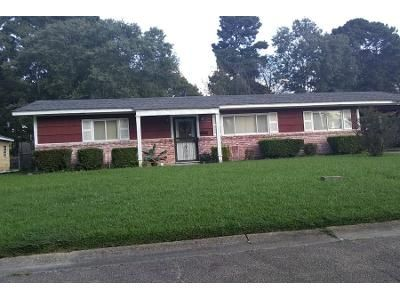2 Bed 1.5 Bath Preforeclosure Property in Jackson, MS 39206 - Meadowview Dr