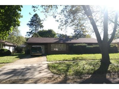 3 Bed Preforeclosure Property in Cary, IL 60013 - Bell Dr