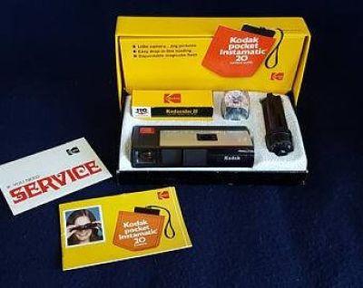 Vintage Kodak Pocket Instamatic 20 Camera Outfit