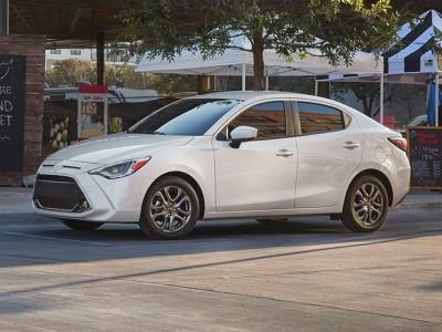 2019 Toyota Yaris LE (Frost)