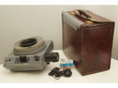 Kodak Ektagraphic III B slide projector with case, zoom