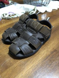 Toddler size 10 sandals great condition