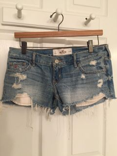 Hollister Distressed Jean Shorts - 3