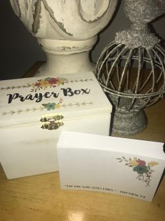 NEED A LOVELY GIFT FOR A FRIEND or FAMILY MEMBER THIS PRAYER BOX with PRAYER CARDS & SCRIPTURE INSIDE LID(4) AVAILABLE!! 6 x 4