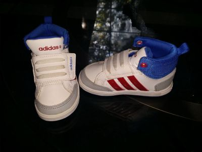 Adidas tennis shoes size 5T