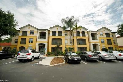 11511 Villa Grand 502 Fort Myers One BR, PRICED TO SELL!