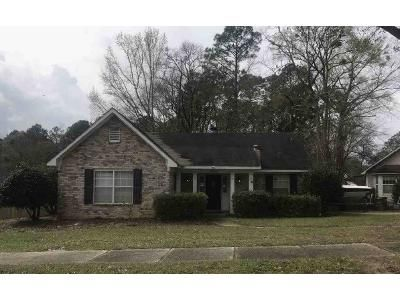 3 Bed 2 Bath Foreclosure Property in Mobile, AL 36693 - Outley Dr