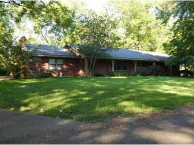 Foreclosure Property in Duck Hill, MS 38925 - Jefferson Davis St