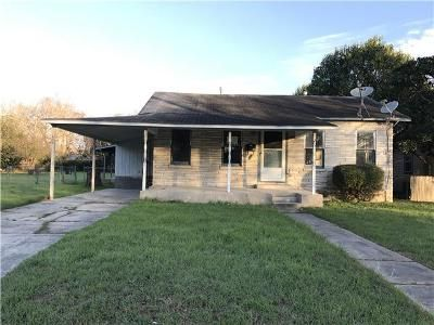 4 Bed 2 Bath Foreclosure Property in Schertz, TX 78154 - Exchange Ave