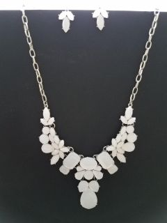 Charming Charlie EUC White Necklace and Earrings Set