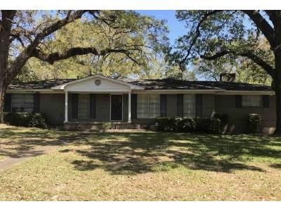 4 Bed 2 Bath Foreclosure Property in Mobile, AL 36608 - Matterhorn St