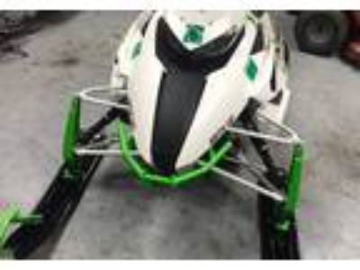 2015 Arctic Cat XF8000-Limited-Sno-Pro Powersport in Lake Bluff, IL