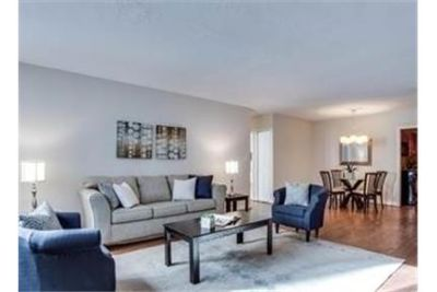 BEAUTIFULLY UPDATED 2BD/2BA blocks to downtown Bethesda. Parking Available!