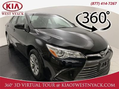 2017 Toyota Camry (Midnight Black Metallic)
