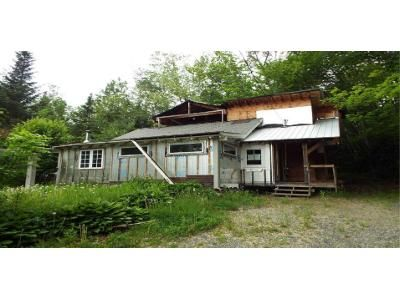 2 Bed 1 Bath Foreclosure Property in Bethlehem, NH 03574 - Jefferson St