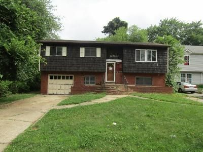 4 Bed 1.5 Bath Foreclosure Property in Wyandanch, NY 11798 - Jefferson Ave