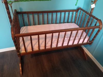 Baby bed/swing