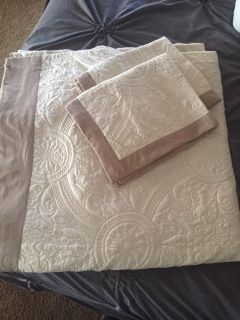 Queen Bed Set from JC Penney Like New