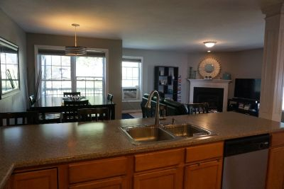 Beautiful Three Bedroom Townhouse in Hudson
