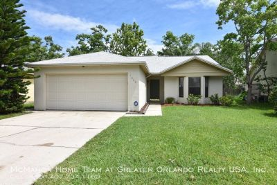Alafaya Woods 3/2. FENCED YARD, SCREEN PORCH, New tile floors..