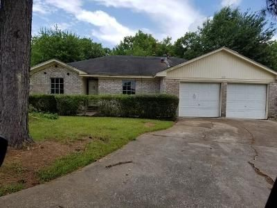 3 Bed 2 Bath Foreclosure Property in Baytown, TX 77521 - Long Meadow Dr