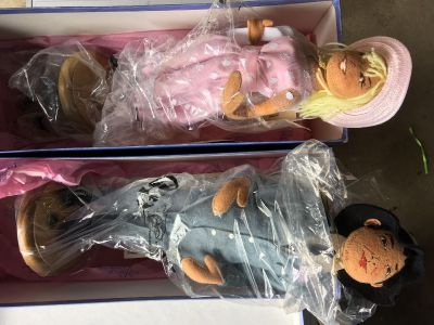 Museum Collection Annalee Dolls - serial/limited
