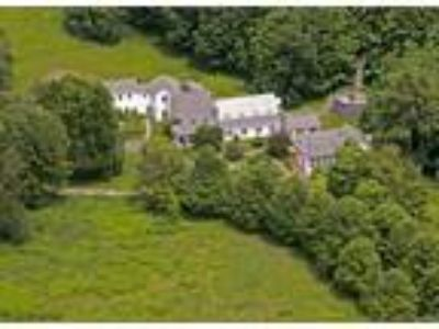 Inn for Sale: Eleven Room Inn + House - Hudson Valley/Berkshire