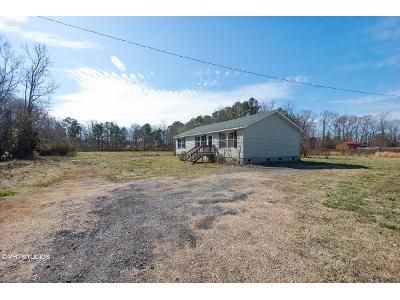 3 Bed 2 Bath Foreclosure Property in Gates, NC 27937 - Drum Hill Rd