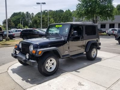 2004 Jeep Wrangler Sport (Black Clear Coat with Black (Top))